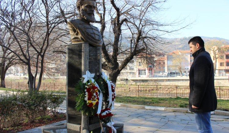 БСП-Асеновград почете подвига на Ботев