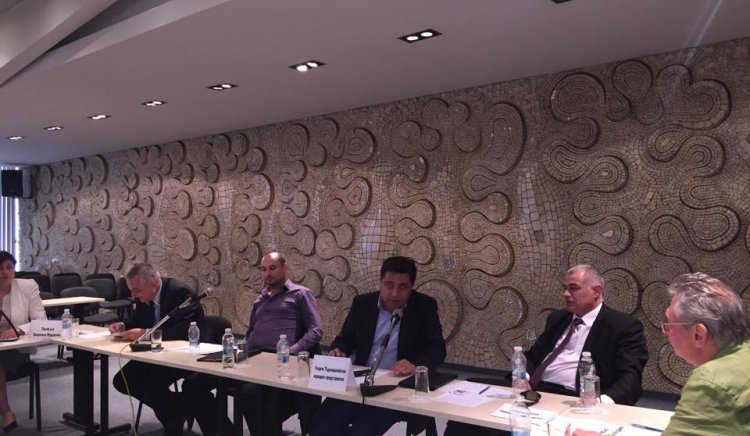 Имат ли бъдеще младите лекари в България? – среща дискусия в град Пловдив
