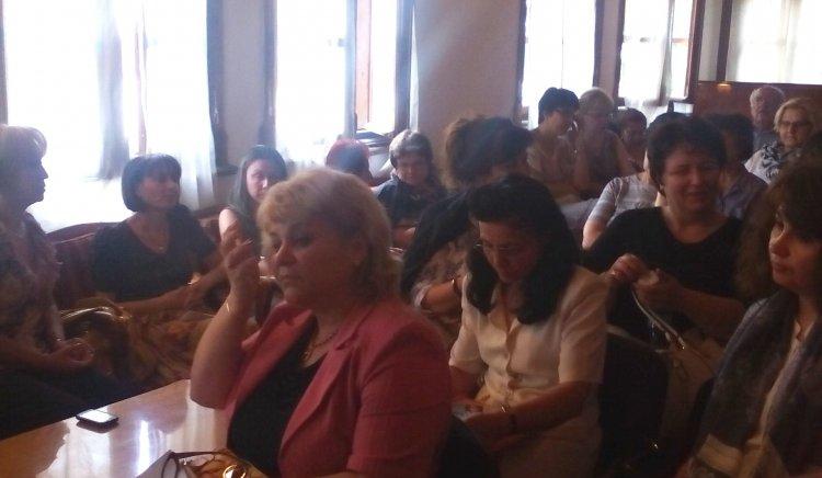 Проблемите в образованието обсъдиха на кръгла маса в Пловдив