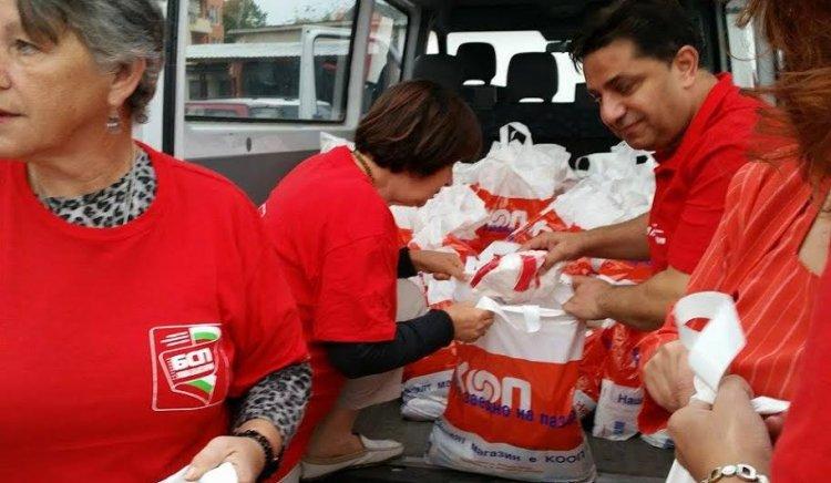 БСП Пловдив дари на бедстващите в Мизия тон и половина храни